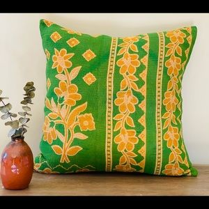 Pillow cover vintage kantha